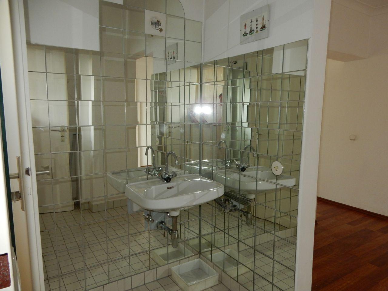 Vorraum Gäste-WC